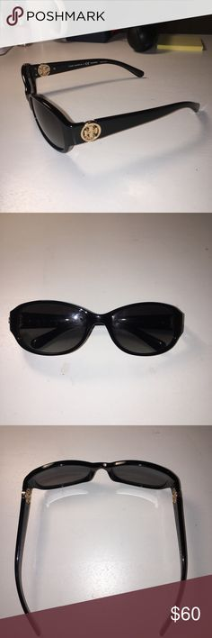 Shop Women's Tory Burch Black size OS Sunglasses at a discounted price at Poshmark. Sunglasses Accessories, Tory Burch, Shop My, Best Deals, Womens Fashion, Closet, Things To Sell, Black, Style