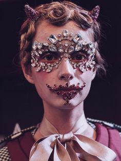 Full-face crystals, lace masks and Mad Max inspired war paint: this season, designers took make-up to another level Runway Makeup, Beauty Makeup, Hair Makeup, Catwalk Makeup, Ss16, Cool Face, Fantasy Makeup, Creative Makeup, War Paint