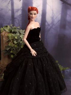 """#pinned @terriGoldDolls """"Heart on My Sleeve: Wearing Theatre de la Mode gown."""" #dollchat ^kv"""