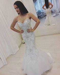 Is A Designer Of Wedding Gowns Evening Dresses Replicas - Custom Wedding Dress Designers