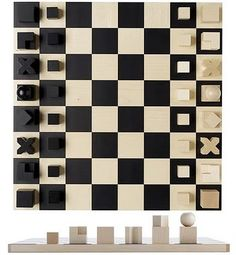 Bauhaus Josef Hartwig's chessmen, designed in 1923, have characteristically reduced forms which, in contrast to commonly used figures, are symbols based purely on the function and form of the manoeuvre of each piece. Cubes, cylinders and balls lead you move by move to checkmate.