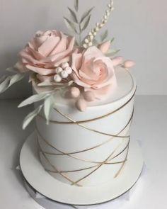 Cookies And Cream Cake, Cake Mix Cookies, Beautiful Birthday Cakes, Beautiful Cakes, Elegant Birthday Cakes, Beautiful Beautiful, Wedding Cake Designs, Wedding Cakes, Wedding Ideas