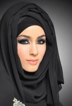 Adopter un style à connotation culturelle pour améliorer votre hijab style. Retrouvez d'autres astuces sur sosab.fr