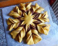Create the shape Greek Desserts, Greek Recipes, Fun Desserts, Cyprus Food, Bread Shaping, Brioche Bread, Easy Snacks, Christmas Baking, Nutella