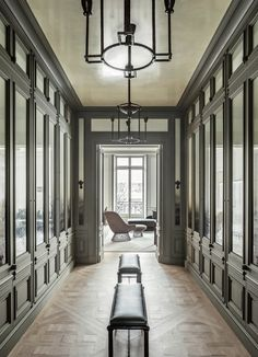 Avenue Montaigne by Dirand | Seventeen doors