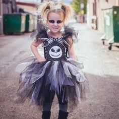 The Jack Skellington Tutu Costume is absolutely PERFECT for a spooky Halloween look! Your girl will be the hit of the costume party & with all her friends. Best of all – she will love YOU for finding the perfect costume! Halloween Looks, Spooky Halloween, Disneyland Halloween Costumes, Jack And Sally, Jack Skellington, Nightmare Before Christmas, Costume Ideas, Hair Bows, Photo Shoot