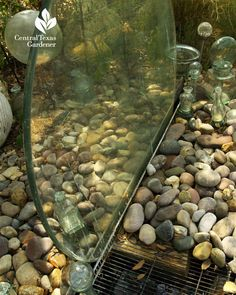 These 7 soothing DIY garden fountain projects are meant to inspire you. Making your own fountain saves money over buying one as well. Try these projects! Table Fountain, Diy Fountain, Garden Water Fountains, Water Garden, Ponds Backyard, Backyard Landscaping, Backyard Designs, Diy Water Feature, Water Walls