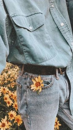 New Wall Collage Ideas Aesthetic 33 Ideas Art Hoe Aesthetic, Flower Aesthetic, Aesthetic Vintage, Aesthetic Yellow, Aesthetic Collage, Aesthetic Pastel, Aesthetic Iphone Wallpaper, Aesthetic Wallpapers, Photo Grid