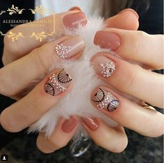 #nailsmandalas #nails #mandalas Summer Toe Nails, Short Nails Art, Nail Art Videos, Nail Decals, Nail Trends, Trendy Nails, Nail Arts, Pedicure, Nail Colors