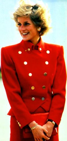 Fashion in RED -- Princess Diana of Wales _____________________________ Reposted by Dr. Veronica Lee, DNP (Depew/Buffalo, NY, US)