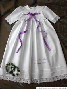 Ein wunderschönes handgefertigtes Taufkleid, erhältlich in den Größen 56 bis 86. Auch Zwischengrößen (z. B. 56/62) sind möglich. Das Kleid wird aus edlem Baumwollleinen genäht. Aufwendige...