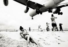 Fotos: aviões sobrevoam praia do Caribe bem perto dos banhistas