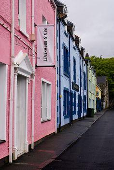 The Pink Guest House B & B in Portree ~ Isle of Skye, Scotland