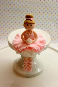 Beautiful Kitchen: Ballerina Cake Topper for Allison Ballet Cakes, Ballerina Cakes, Ballerina Birthday, Fondant Toppers, Cake Decorating Techniques, Cake Decorating Tips, Cupcakes, Cupcake Cakes, Sugar Dough