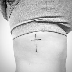Crucifixo da Renata! ✨⛪️ #tattoo #tatoobr #tattoos #tattooartist #tattooart…