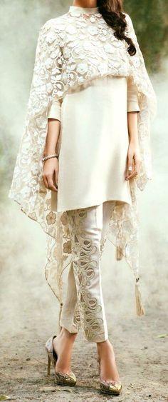Best Ideas For Moda Fashion Dresses White Lace Dresses Elegant, Trendy Dresses, Fashion Dresses, Fashion Clothes, Dresses Dresses, Dress Outfits, Casual Dresses, Dress Shoes, Shoes Heels
