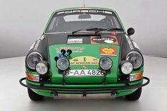 Porsche 911 S 2.2 East African Safari: Tropenwild bei Early 911S | Classic Driver Magazine