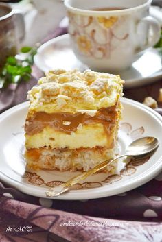 Princess SpongeCake w/ Cream & Caramel Filling Sweet Desserts, Sweet Recipes, Delicious Desserts, Cake Recipes, Dessert Recipes, Polish Desserts, Polish Recipes, Cake Cookies, Cupcakes