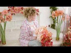 August's Fresh Take on Floral Design: Ombré Wedding