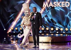 'The Masked Singer' Season 2 — Photos 'The Masked Singer' Staffel 2 – Fotos – HollywoodLife Fall Shows, New Shows, The Hollywood Reporter, Hollywood Life, Criminal Psychologist, 20 Tv, Fall Tv, Jenny Mccarthy, Robin Thicke