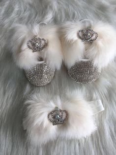 Royal Crown Faux Fur Baby Shoes – Baby For look here Baby Bling, Bling Baby Shoes, Camo Baby, Iphone Wallpaper Inspirational, Crown Royal, Baby Accessories, Mom And Dad, Baby Love, Fur Babies