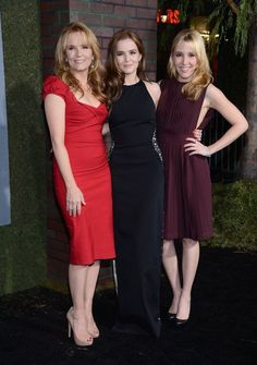 Lea Thompson with daughters Zoey Deutch and Madelyn Deutch at the premiere #BeautifulCreatures