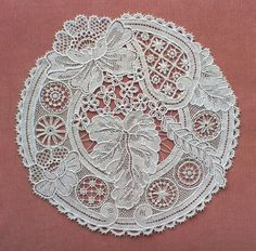 Needle Lace, Bobbin Lace, Antique Lace, Vintage Lace, Lace Flowers, Crochet Flowers, Lace Weave, Romanian Lace, Types Of Lace