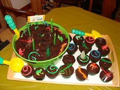 My son, who was turning 4 was really into bugs and loves to dig in the dirt! So we decided to have a Bug birthday for him. The Cake was SUPER easy! I