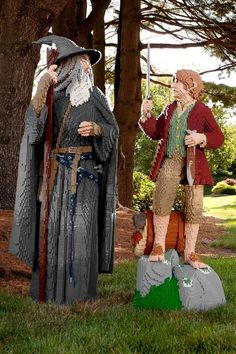 To kick-off Comic-Con International, we thought you would enjoy seeing these life-size LEGO Lord of the Rings models - Bilbo Baggins Gandalf - that made the trip all the way from Middle Earth! (LEGO FB page)