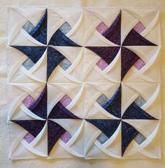 Pinwheel Surprise Quilt Block Pattern Origami- Pinwheel Surprise Quilt Block Pattern from Jaded Spade Creations. Pinwheel Quilt Pattern, Easy Quilt Patterns, Pattern Blocks, Crochet Patterns, Origami Quilt Patterns, Plaid Pattern, Fabric Patterns, Quilting Tutorials, Quilting Projects