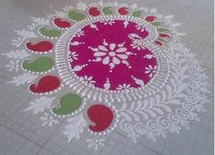 Try these simple rangoli designs this Diwali. Here are some simple rangoli designs that are easy to make. Beautify your house with simple rangoli designs. Rangoli Border Designs, Kolam Designs, Mehndi Designs, Indian Rangoli, Diwali Rangoli, Beautiful Mehndi Design, Beautiful Rangoli Designs, Alpona Design, Rangoli Borders