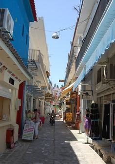 Skiathos town, want to go back! Places To See, Places Ive Been, Skopelos Greece, Skiathos Island, European Holidays, Stone Street, Greece Islands, Travel Memories, Greece Travel