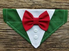 Tuxedo christmas dog bandana, red and green, custom colors, bowtie over the collar Dog Crafts, Animal Crafts, Hot Dog Bar, Patriotic Crafts, July Crafts, Patriotic Party, Diy Dog Collar, Fluffy Dogs, Dog Clothes Patterns