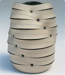 Gustavo Perez - Vessel Mexican ceramist but also living in  Argenton sur creuse, France