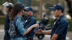 Kendall Jenner Envuelta en Polémica por Comercial Pepsi