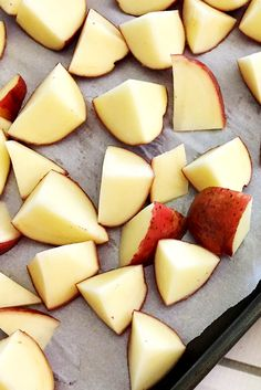 Easy Oven-Roasted Red Skin Potatoes Recipe - Home Cooking Memories Red Skin Potatoes Recipe, Roasted Red Skin Potatoes, Baked Red Potatoes, Healthy Mini Meatloaf, Easy Potato Recipes, Heart Healthy Recipes, Yummy Food, Yummy Recipes