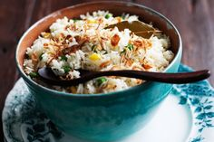 Garlic and ginger rice. This wonderful Malay rice dish creates flavour and excitement with simple cooking and just a few authentic ingredients. Rice Cooker Recipes, Rice Recipes, Asian Recipes, New Recipes, Cooking Recipes, Gourmet Recipes, Favorite Recipes, Malaysian Cuisine, Malaysian Food