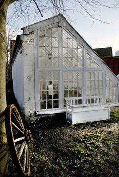 Vintage Gewächshäuser & Potting Sheds - Best Picture For Garden Shed greenhouse For Your Taste You are looking for something, and it is going to tell you exact Greenhouse Shed, Greenhouse Gardening, Greenhouse Wedding, Small Greenhouse, Indoor Greenhouse, Homemade Greenhouse, Pallet Greenhouse, Backyard Beekeeping, Greenhouse Growing