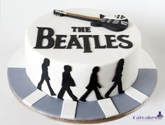 The Beatles cake - Beatles cake for a big fan of the band - for syyd Beatles Party, Beatles Cake, The Beatles, Music Themed Cakes, Music Cakes, Birthday Cakes For Men, Cake Birthday, Birthday Memes, Bolo Dos Beatles