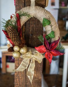 Coroniță Poinsettia/Crăciuniță