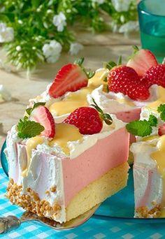 Biskuit-Rhabarber-Torte