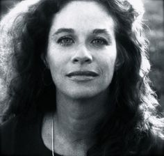 Carole King, LA Photo by Jim Shea King my new favorite :) I wish this and others were included in Speeding Time as well! Female Singers, Photographs And Memories, Francoise Hardy, Carole King, Damsel In Distress, Natural Women, Single Women, David Bowie