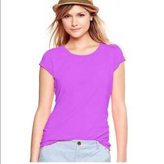 """Gap essential crew slub tee in budding lilac Item: Gap essential crew slub tee in budding lilac color. Such a fun color for spring and summer.  Size: S  Measurements: bust 18"""" across length 25"""" GAP Tops Tees - Short Sleeve"""