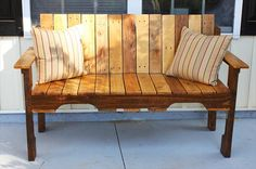 DIY Pallet Farmhouse #Bench - Front Porch Bench | 101 Pallets