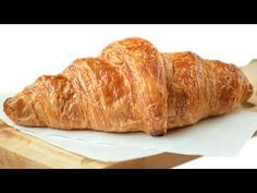 Professional Baker Teaches You How to Make Croissants! Pastry Recipes, Bread Recipes, Baking Recipes, French Croissant, Breakfast Recipes, Dessert Recipes, Desserts, Anna Olson, Best Bread Recipe