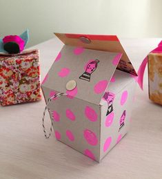 Ruby Star Ornament Boxes ~ Free Tutorial « by Melody Miller for Sew,Mama,Sew!