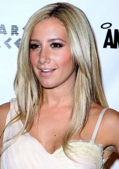 Ashley Tisdales blondes have more fun hairstyle