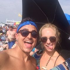 "@craccola's photo: ""Hi. My name is Candice King and I'm a parrot head. About to fulfill my dream of seeing Jimmy Buffet live. I am not ashamed. I am also grateful to have a husband like @josekingseco who supports my parrot head lifestyle. #parrotheadsunite #jazzfest #myfloridaisshowing"""