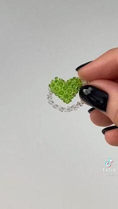 Diy Bracelets Patterns, Diy Friendship Bracelets Patterns, Diy Bracelets Easy, Beaded Bracelet Patterns, Diy Jewelry Unique, Handmade Wire Jewelry, Diy Crafts Jewelry, Diy Beaded Rings, Diy Rings