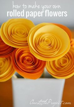 How to make paper flowers - These rolled paper flowers are super easy and surprisingly fun to make! How to make paper flowers - These rolled paper flowers are super easy and surprisingly fun to make! Here's an easy tutorial to get you started. Rolled Paper Flowers, How To Make Paper Flowers, Paper Flowers Diy, Handmade Flowers, Flower Crafts, Diy Paper, Fabric Flowers, Flower Diy, Simple Paper Crafts